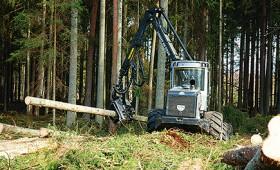 Precizēti traktortehnikas reģistrācijas noteikumi