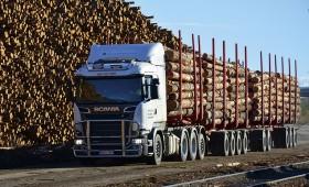 Somijā testē 104 tonnu smagu koksnes transporta automašīnu