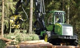 Samazinās traktortehnikas vadītāju apliecību kategorijas