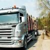 Četru gadu līgumi kokmateriālu pārvadātājiem
