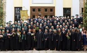 Diplomus saņem meža nozares speciālisti