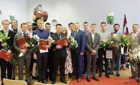 Ogres tehnikumu absolvē 138 jaunie speciālisti